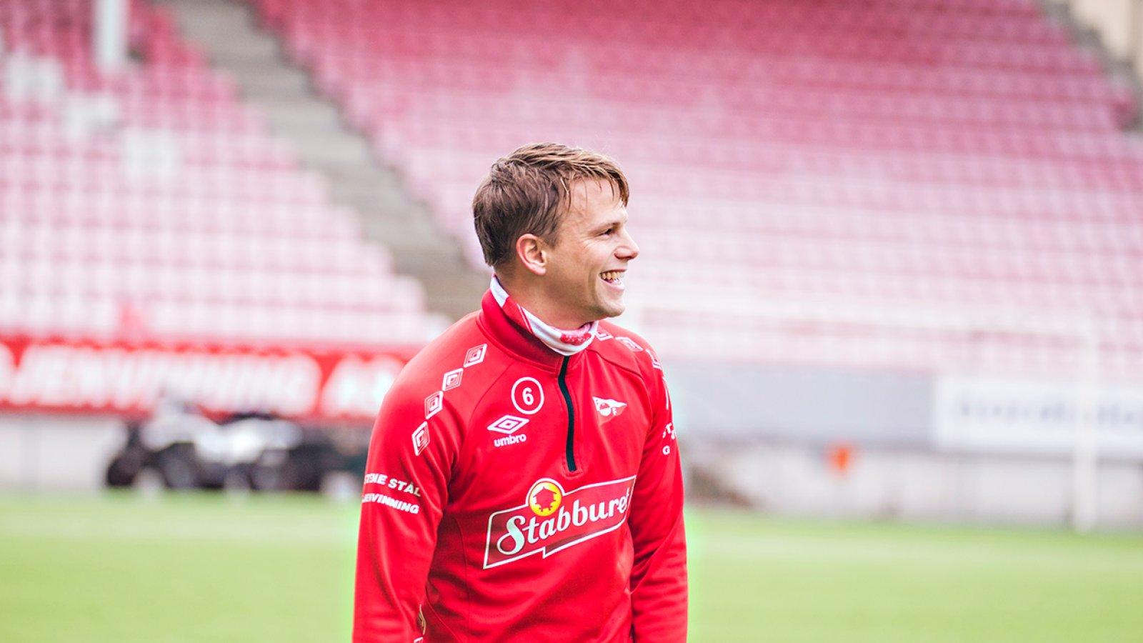 Andrea Loberto presentert som ny hovedtrener i FFK - Patrik Karoliussen trener