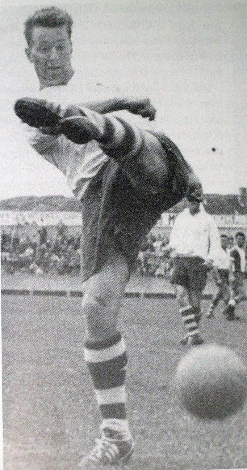Tom Johannessen gikk fra Kråkerøy og rett inn på laget til FFK i 1959. Etter omskolering fra spiss til back gikk han også rett inn på A-landslaget.
